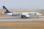 青春の1ページさんが、神戸空港で撮影したスカイマーク 737-86Nの航空フォト(写真)