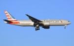 うとPさんが、RJAAで撮影したアメリカン航空 777-223/ERの航空フォト(写真)