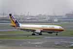 Gambardierさんが、羽田空港で撮影した東亜国内航空 A300B2K-3Cの航空フォト(写真)