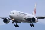 アイトムさんが、伊丹空港で撮影した日本航空 777-246の航空フォト(写真)