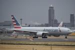 飛行機ゆうちゃんさんが、成田国際空港で撮影したアメリカン航空 777-223/ERの航空フォト(写真)