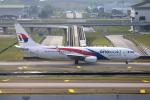 かみじょー。さんが、クアラルンプール国際空港で撮影したマレーシア航空 737-8H6の航空フォト(写真)