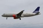 rjジジィさんが、ロンドン・ヒースロー空港で撮影したスカンジナビア航空 A320-232の航空フォト(写真)