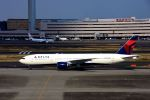 まいけるさんが、羽田空港で撮影したデルタ航空 777-232/ERの航空フォト(写真)