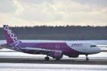 シャークレットさんが、新千歳空港で撮影したピーチ A320-214の航空フォト(写真)
