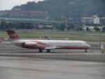 カップメーンさんが、台北松山空港で撮影した遠東航空 MD-82 (DC-9-82)の航空フォト(飛行機 写真・画像)