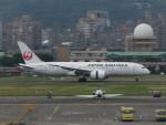 カップメーンさんが、台北松山空港で撮影した日本航空 787-8 Dreamlinerの航空フォト(写真)