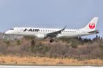 フリューゲルさんが、秋田空港で撮影したジェイ・エア ERJ-190-100(ERJ-190STD)の航空フォト(写真)
