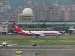 カップメーンさんが、台北松山空港で撮影した上海航空 737-89Pの航空フォト(写真)