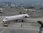 カップメーンさんが、台北松山空港で撮影した遠東航空 MD-83 (DC-9-83)の航空フォト(飛行機 写真・画像)