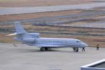 T.Sazenさんが、神戸空港で撮影したプライベートエア Falcon 7Xの航空フォト(写真)