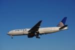 JA8037さんが、ロンドン・ヒースロー空港で撮影したユナイテッド航空 777-222/ERの航空フォト(写真)