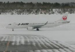 kumagorouさんが、青森空港で撮影したジェイ・エア ERJ-190-100(ERJ-190STD)の航空フォト(飛行機 写真・画像)