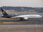 FT51ANさんが、成田国際空港で撮影したUPS航空 767-34AF/ERの航空フォト(写真)