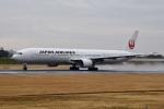 くれくんさんが、伊丹空港で撮影した日本航空 777-346の航空フォト(飛行機 写真・画像)