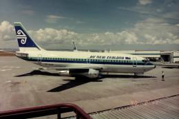 ヒロリンさんが、オークランド空港で撮影したニュージーランド航空 737-219の航空フォト(飛行機 写真・画像)