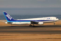 なごやんさんが、中部国際空港で撮影した全日空 767-381/ERの航空フォト(飛行機 写真・画像)