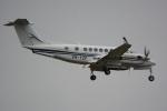 banshee02さんが、成田国際空港で撮影したオーストラリア企業所有 King Air 350(B300)の航空フォト(写真)