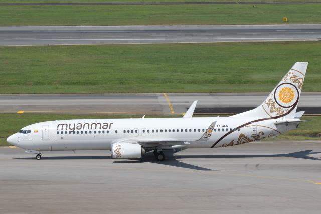 ミャンマー・ナショナル・エアウェイズ Boeing 737-800 XY-ALG シンガポール・チャンギ国際空港  航空フォト | by 安芸あすかさん