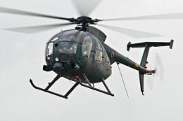スカルショットさんが、名古屋飛行場で撮影した陸上自衛隊 OH-6Dの航空フォト(写真)