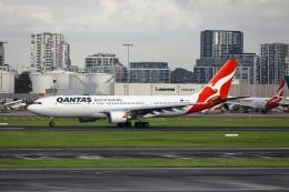 garrettさんが、シドニー国際空港で撮影したカンタス航空 A330-202の航空フォト(飛行機 写真・画像)