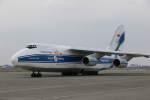 プルシアンブルーさんが、新千歳空港で撮影したヴォルガ・ドニエプル航空 An-124-100 Ruslanの航空フォト(写真)