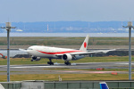 szkkjさんが、羽田空港で撮影した航空自衛隊 777-3SB/ERの航空フォト(写真)