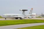 デルタおA330さんが、嘉手納飛行場で撮影したアメリカ空軍 E-3B Sentry (707-300)の航空フォト(写真)