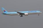 ぽんさんが、香港国際空港で撮影した大韓航空 777-3B5/ERの航空フォト(写真)