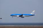T.Sazenさんが、関西国際空港で撮影したKLMオランダ航空 777-206/ERの航空フォト(飛行機 写真・画像)