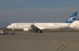 michi2さんが、ポドゴリツァ空港で撮影したモンテネグロ航空 ERJ-190-200 LR (ERJ-195LR)の航空フォト(飛行機 写真・画像)