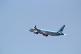 ANA744Foreverさんが、福岡空港で撮影した大韓航空 BD-500-1A11 CSeries CS300の航空フォト(写真)