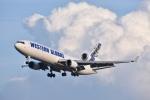 厦龙さんが、成田国際空港で撮影したウエスタン・グローバル・エアラインズ MD-11Fの航空フォト(写真)