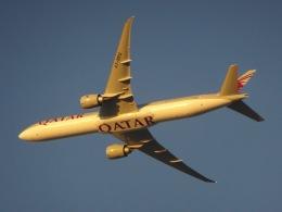 cornicheさんが、ドーハ・ハマド国際空港で撮影したカタール航空 777-3DZ/ERの航空フォト(写真)