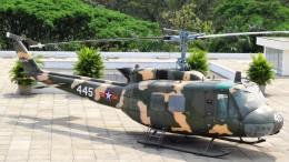 westtowerさんが、タンソンニャット国際空港で撮影したベトナム人民空軍 UH-1 Iroquois / Hueyの航空フォト(飛行機 写真・画像)