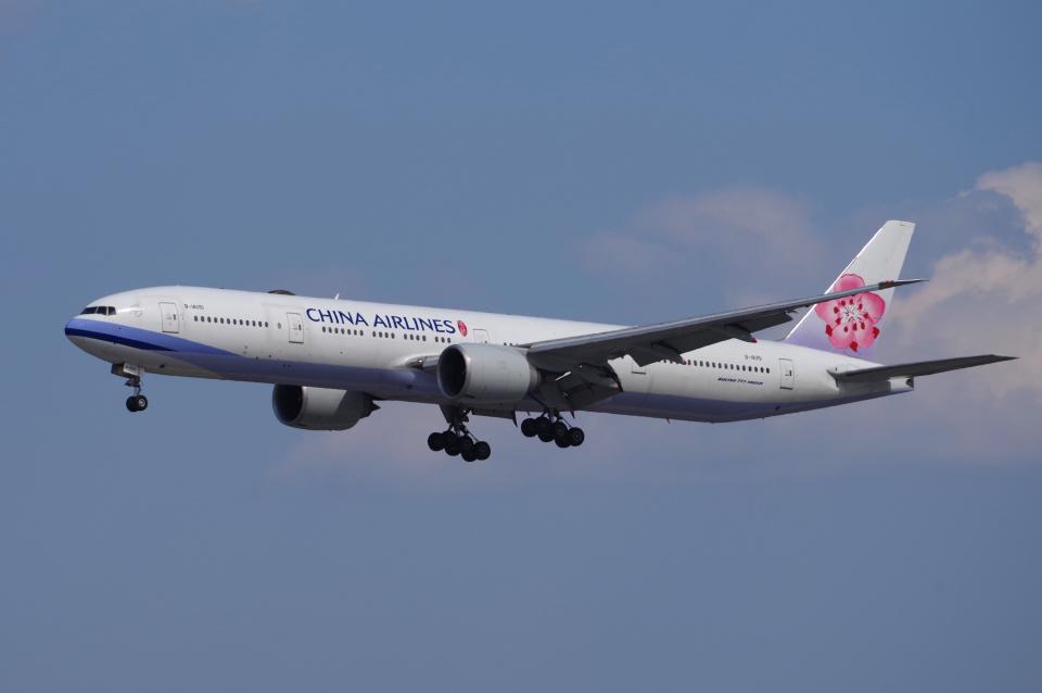 yabyanさんのチャイナエアライン Boeing 777-300 (B-18051) 航空フォト
