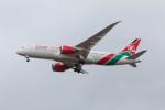 Koenig117さんが、ロンドン・ヒースロー空港で撮影したケニア航空 787-8 Dreamlinerの航空フォト(写真)