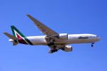 yabyanさんが、成田国際空港で撮影したアリタリア航空 777-2Q8/ERの航空フォト(飛行機 写真・画像)