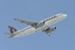 cornicheさんが、ドーハ国際空港で撮影したカタール航空 A320-232の航空フォト(飛行機 写真・画像)