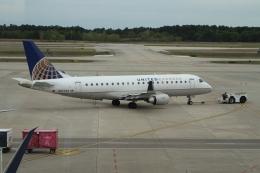 GAさんが、ジョージ・ブッシュ・インターコンチネンタル空港で撮影したユナイテッド・エクスプレス ERJ-170-200 LR (ERJ-175LR)の航空フォト(飛行機 写真・画像)