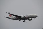 keitsamさんが、羽田空港で撮影した日本航空 777-246の航空フォト(写真)