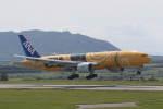 プルシアンブルーさんが、新石垣空港で撮影した全日空 777-281/ERの航空フォト(写真)