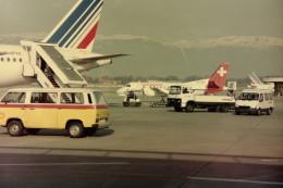 ヒロリンさんが、ジュネーヴ・コアントラン国際空港で撮影したクロスエア 340Aの航空フォト(飛行機 写真・画像)