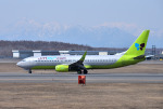mojioさんが、新千歳空港で撮影したジンエアー 737-8Q8の航空フォト(飛行機 写真・画像)