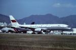 tassさんが、啓徳空港で撮影した中國民航 CAAC 757-21Bの航空フォト(写真)