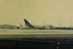 ヒロリンさんが、パリ シャルル・ド・ゴール国際空港で撮影したUTA 747-3B3Mの航空フォト(写真)