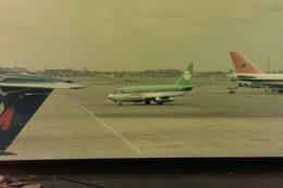 ヒロリンさんが、ロンドン・ヒースロー空港で撮影したエア・リンガス 737-248の航空フォト(飛行機 写真・画像)