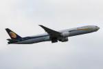 Koenig117さんが、ロンドン・ヒースロー空港で撮影したジェットエアウェイズ 777-35R/ERの航空フォト(写真)