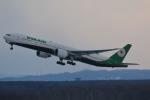 LEGACY-747さんが、新千歳空港で撮影したエバー航空 777-35E/ERの航空フォト(写真)