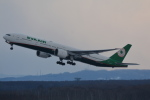 LEGACY-747さんが、新千歳空港で撮影したエバー航空 777-35E/ERの航空フォト(飛行機 写真・画像)